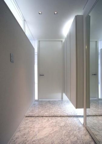 IL CENTRO SERENO(イルチェントロ・セレノ) / 5階 部屋画像2