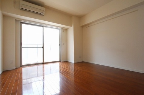 参考写真:洋室(7階・同タイプ)