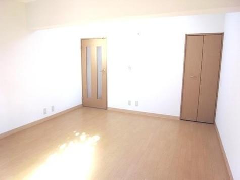 麹町 1分マンション / 3階 部屋画像3