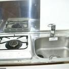 一人暮らしには十分な大きさのキッチンです!