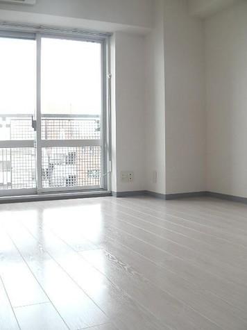 居室(床:ウッドタイル)