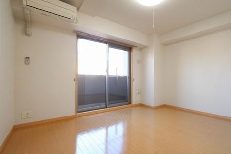 参考写真:洋室(4階・類似タイプ)