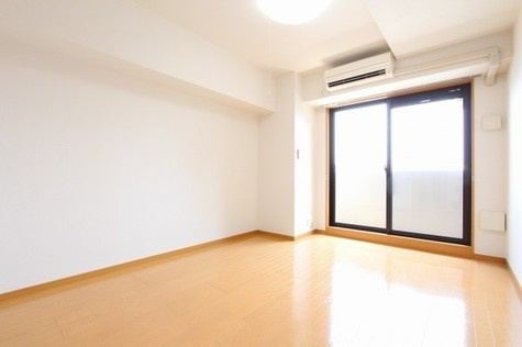 参考写真:洋室(6階・類似タイプ)