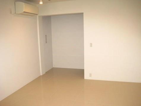 ブルーポスト / 1階 部屋画像3