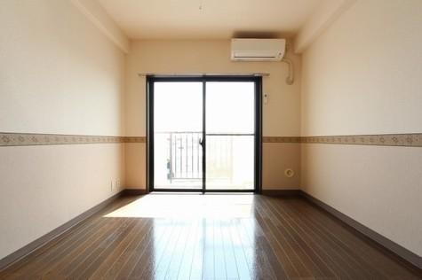 参考写真:洋室(8階・反転タイプ)