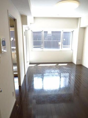 六本木 7分マンション / 2階 部屋画像3