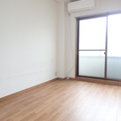 OKU HOUSE / 2階 部屋画像3