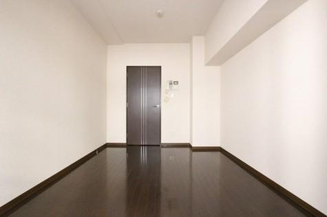 参考写真:洋室(4階・別タイプ)