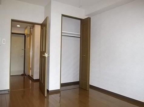 レジデンス・ド・レイーヌ / 2階 部屋画像3