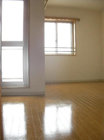 洋室(床:フローリング)