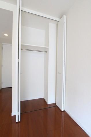 参考写真:クローゼット(7階・同タイプ)