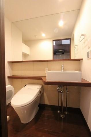 参考写真:サニタリールーム(4階・反転タイプ)