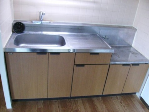 キッチン部分(ガスコンロ2口設置可)