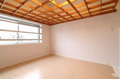 参考写真:ロフト(4階・別タイプ)