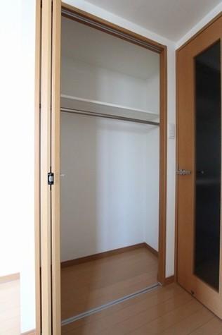 参考写真:クローゼット(6階・別タイプ)