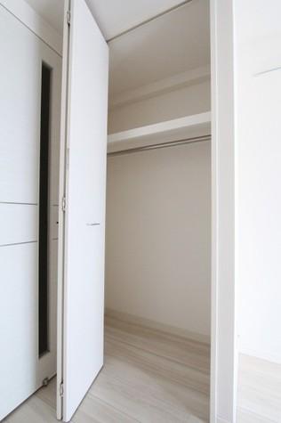 参考写真:クローゼット(3階・類似タイプ)
