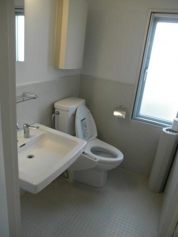 洗面台、トイレ(ウォシュレット)