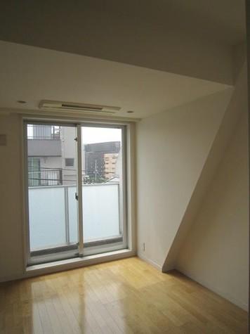 YOTSUYA DUPLEX D-R / 5階 部屋画像4