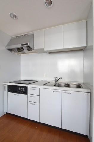 参考写真:キッチン(7階・別タイプ)