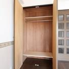 参考写真:クローゼット(8階・反転タイプ)