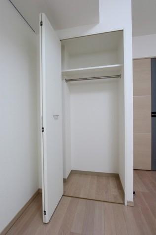 参考写真:クローゼット(4階・別タイプ)