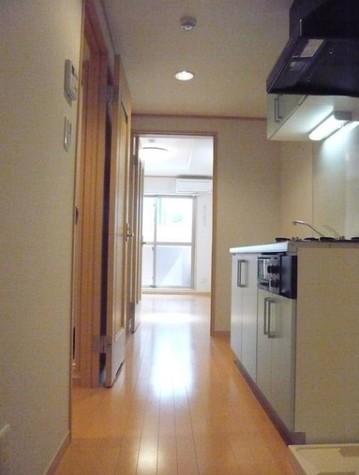 廊下・洋室