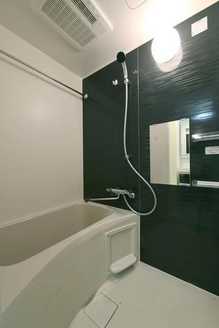 バスルームは浴室乾燥機付★