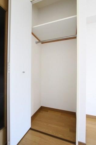 参考写真:クローゼット(4階・類似タイプ)