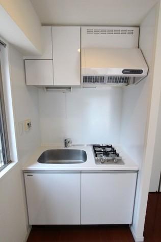 参考写真:キッチン(7階・同タイプ)