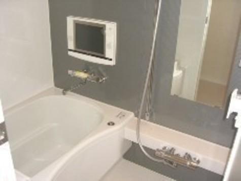 10.4インチ浴室TVでゆったり寛ぎのひと時を