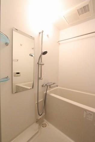 参考写真:浴室(4階・反転タイプ)