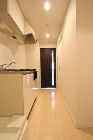 参考写真:玄関・廊下(9階・反転タイプ)