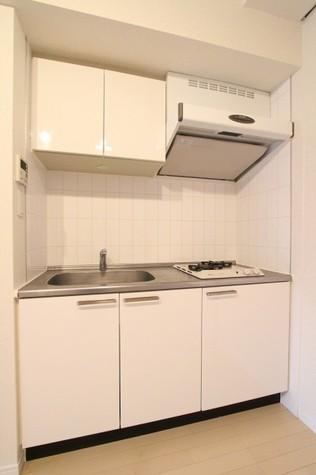 参考写真:キッチン(2階・反転タイプ)