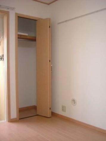 リーヴェルポート横浜子安Ⅱ / 2階 部屋画像5