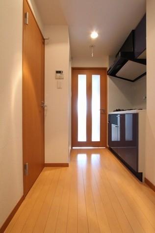 参考写真:廊下(6階・反転タイプ)