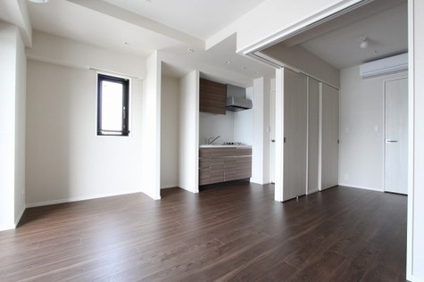 参考写真:LD~洋室(12階・反転タイプ)