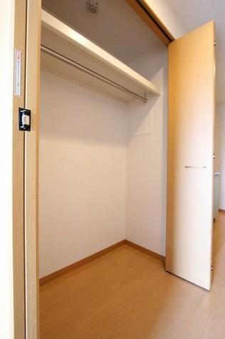 参考写真:クローゼット(6階・類似タイプ)