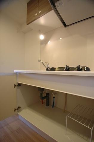 キッチン収納も充実