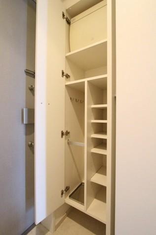 参考写真:下足入れ(8階・別タイプ)