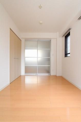 参考写真:洋室①(2階・別タイプ)