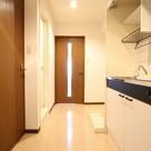 参考写真:玄関・廊下(3階・類似タイプ)