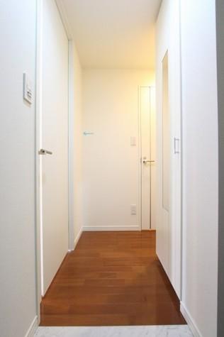 参考写真:玄関・廊下(7階・同タイプ)