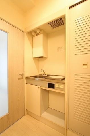 参考写真:キッチン(2階・類似タイプ)