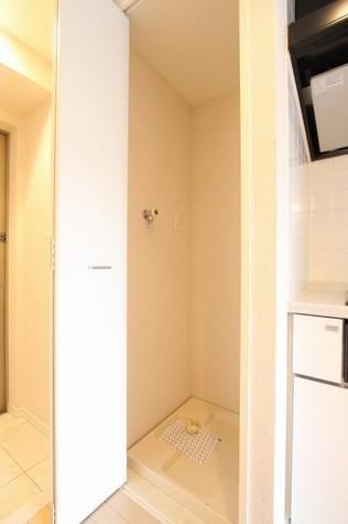 参考写真:廊下(7階・類似タイプ)