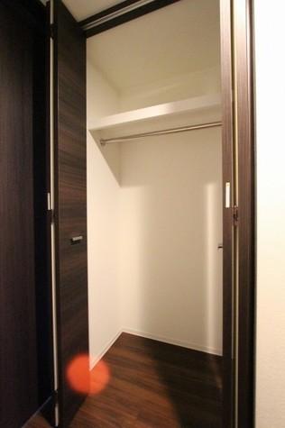 参考写真:クローゼット(3階・反転タイプ)