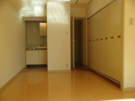 PLUS OnE(プラスワン) / 7階 部屋画像6