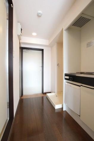 参考写真:廊下・玄関(8階・反転タイプ)