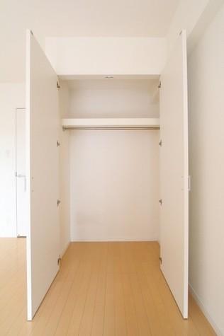 参考写真:クローゼット(7階・別タイプ)
