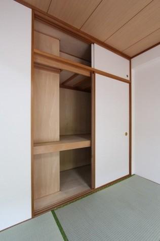 参考写真:和室収納(1階・別タイプ)