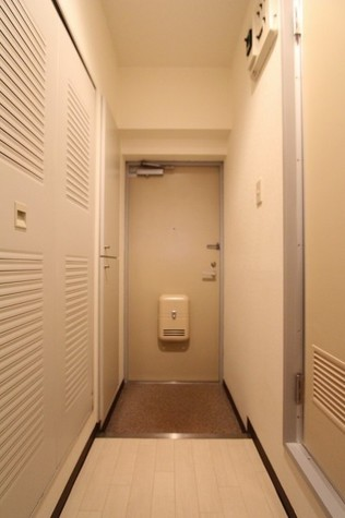 参考写真:廊下(2階・別タイプ)